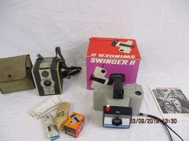 Pair of vintage camera, Swinger ll & cornet, boxed  image