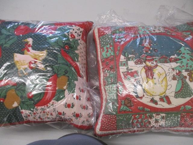 Lot of 4 christmas cushions.  image