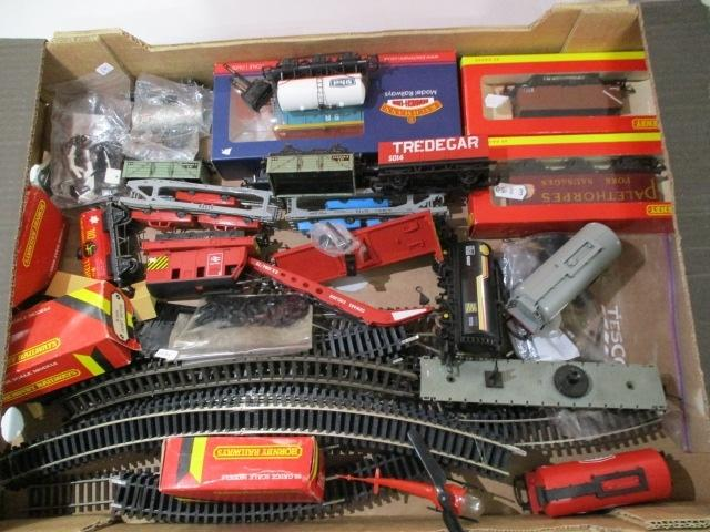 Job lot of railway Hornby, related items to include track, buildings etc  image