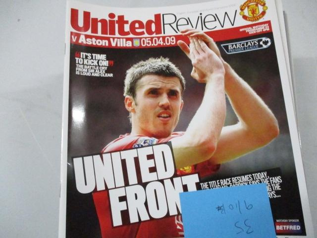 Manchester United Review football programme magazine . 2009/2010 qty35  image