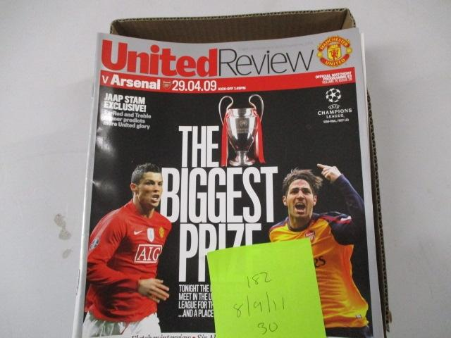 Manchester United Review football programme magazine . 2008/2009/2011 qty30  image