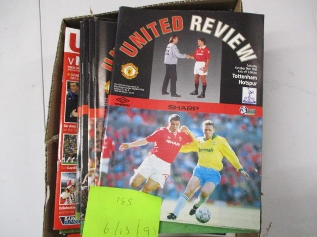 Manchester United Review football programme magazine . 193/2006/2013 qty 33  image