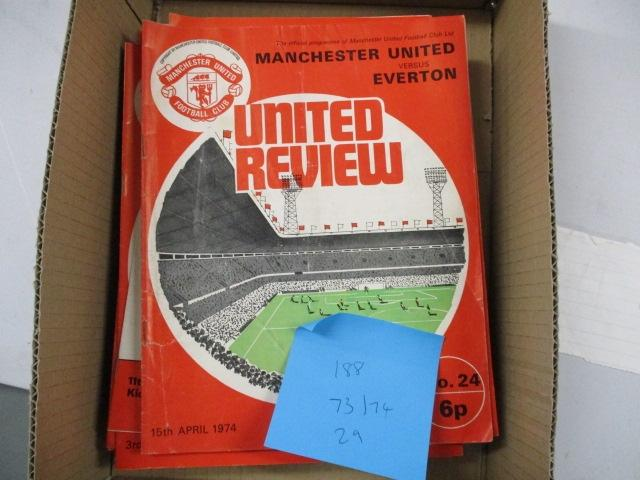 Manchester United Review football programme magazine . 1973/1974 qty 29  image