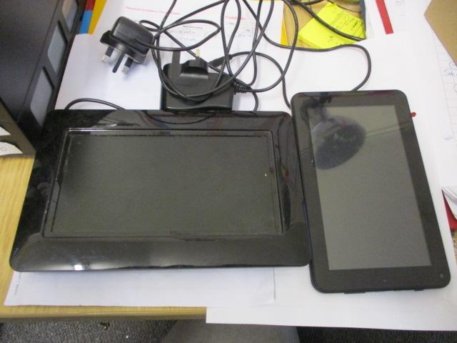 Cyclone explorer sumvision android tablet with charger, working, plus 8