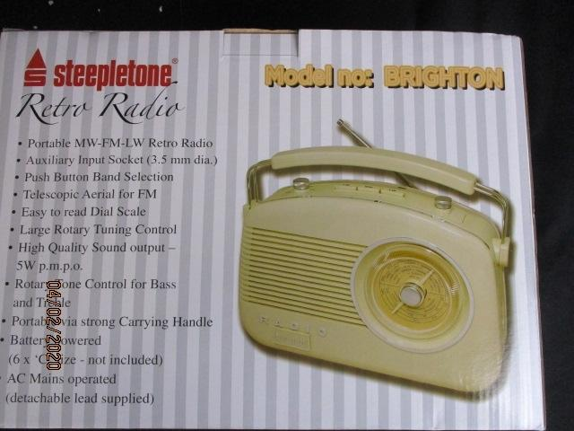 Steepletone Retro radio, boxed.  image