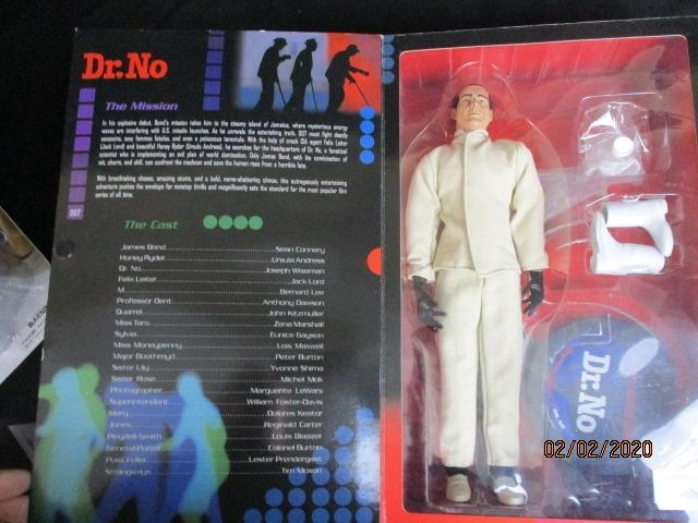 Sideshow Collectables James Bond Dr. No figure in original box  image